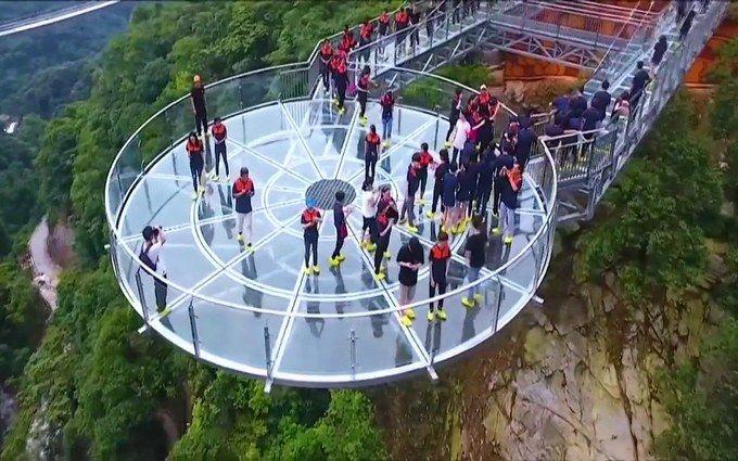 10 найнебезпечніших та найекстремальніших мостів у світі