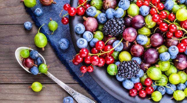 10 простих продуктів, які здатні уповільнити процес старіння