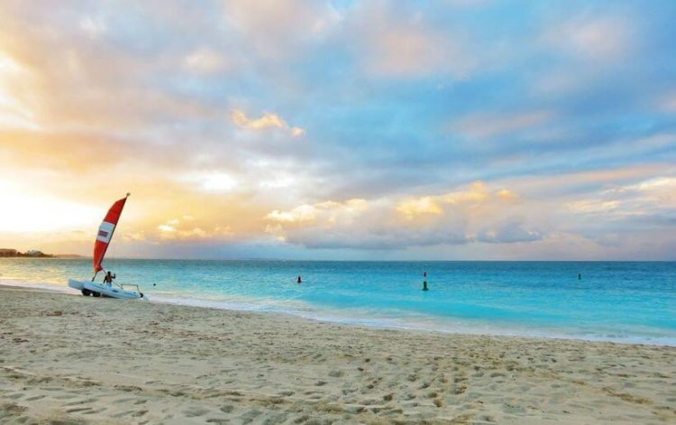 Топ-10 найкращих пляжів світу
