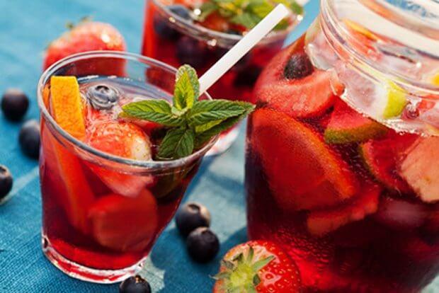 Топ-10 смачних і недорогих рецептів літніх коктейлів та фрешів