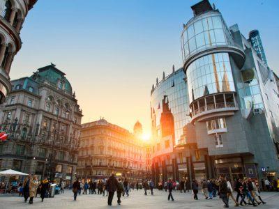 Оприлюднено рейтинг найдорожчих для життя міст світу.  Яке місто його очолює?