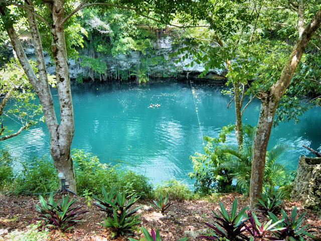 10 неймовірних природних басейнів