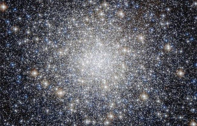 топ-10 найбільших об'єктів у космосі