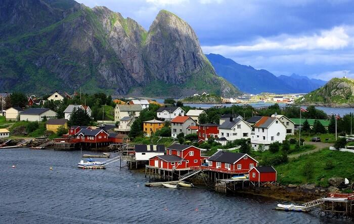 10 найщасливіших країн світу