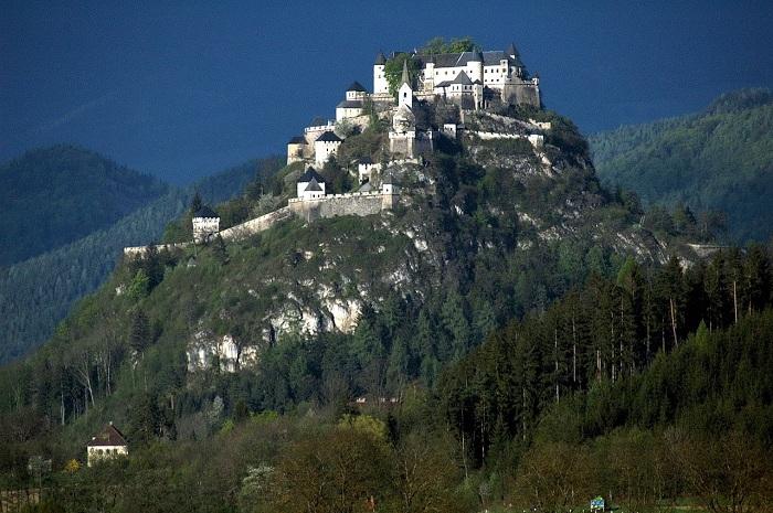 Топ-10 найкрасивіших замків у світі
