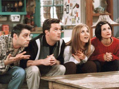 """Не тільки """"Друзі"""": 10 популярних комедійних серіалів, які можна передивлятися вічно"""