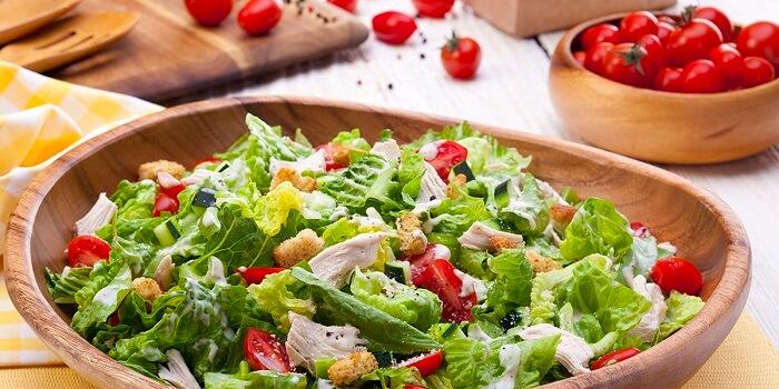 Топ-10 салатів з куркою