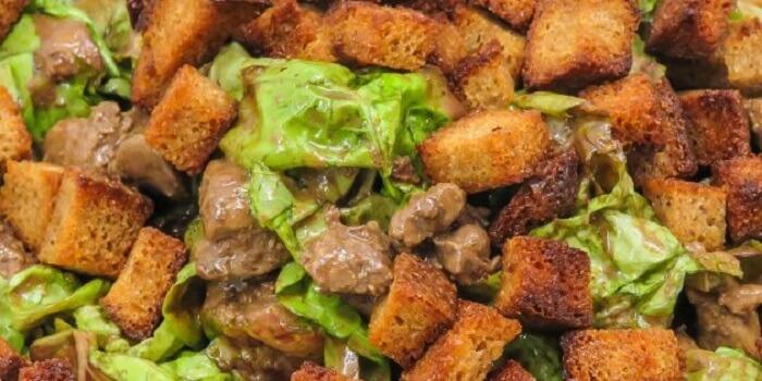 Топ-10 теплих та холодних салатів з курячою печінкою
