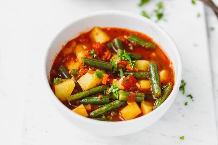 8 рецептів овочевих супів, які можна готувати цілий рік