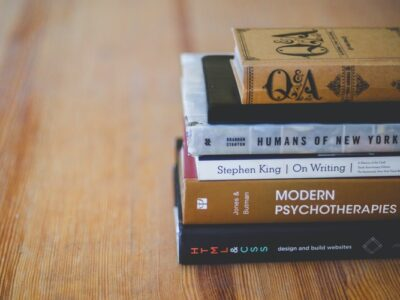 ТОП 5 книг про кохання, з якими ви забудете про реальність