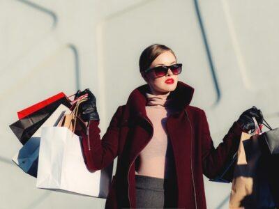 ТОП 5 популярних елементів гардеробу, які ніколи не одягне багата леді