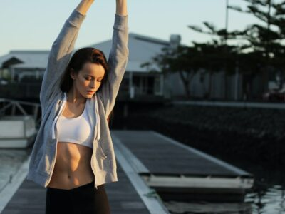 Топ 10 вправ для спини, які допоможуть після довгого робочого дня
