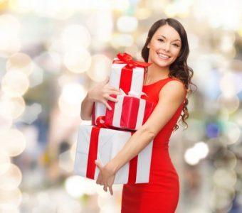 Топ 5 новорічних подарунків для жінки