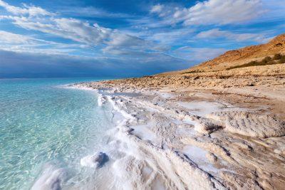 Мертве море лікує живих: 10 фактів про зникаючу водойму