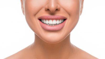 Що робити, якщо зуби псуються з віком: 4 поради